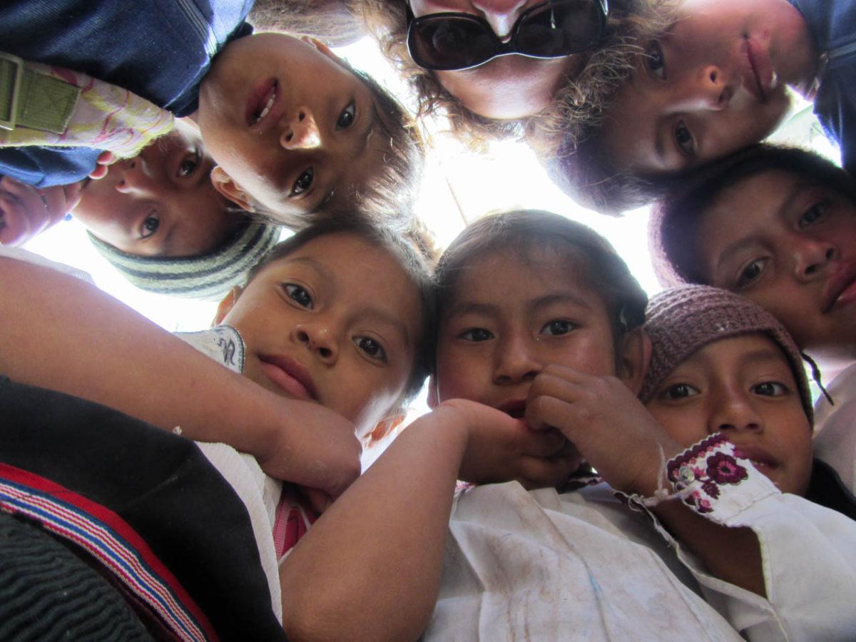 Les élèves d'un petit village