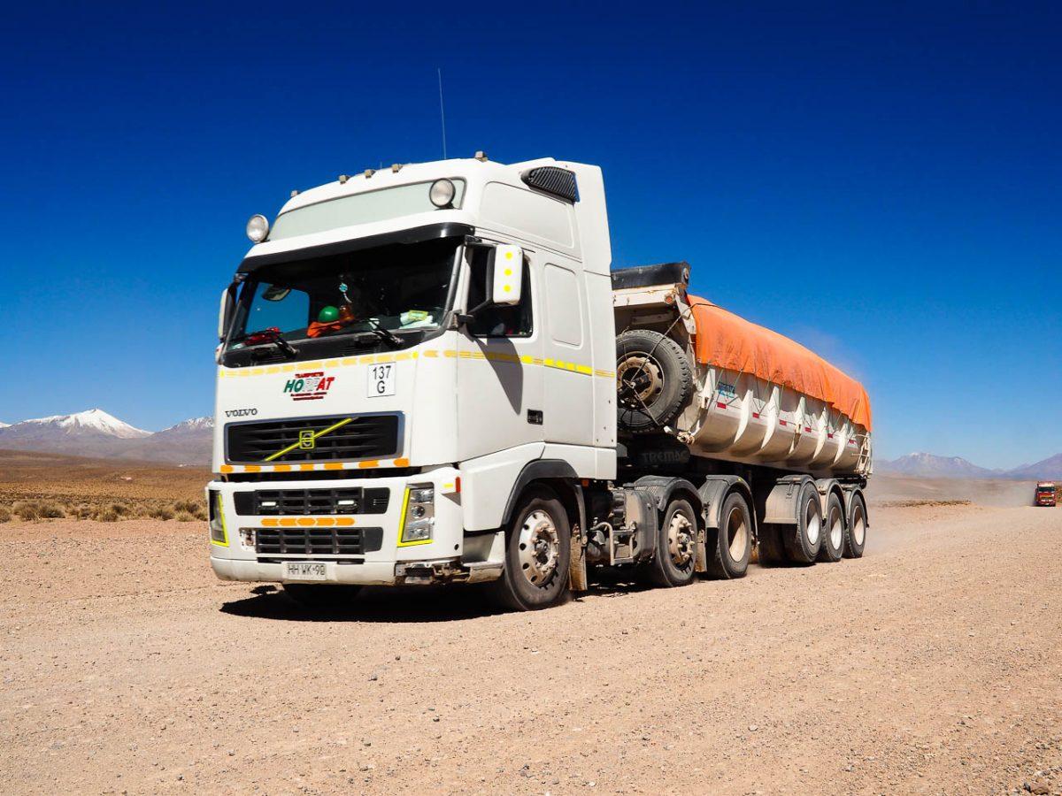 Les camions du salar de Surire, plus d'une centaine
