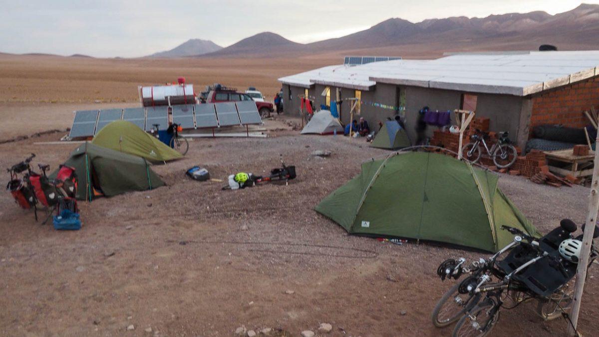 Camping de cyclos à l'hôtel Desertio