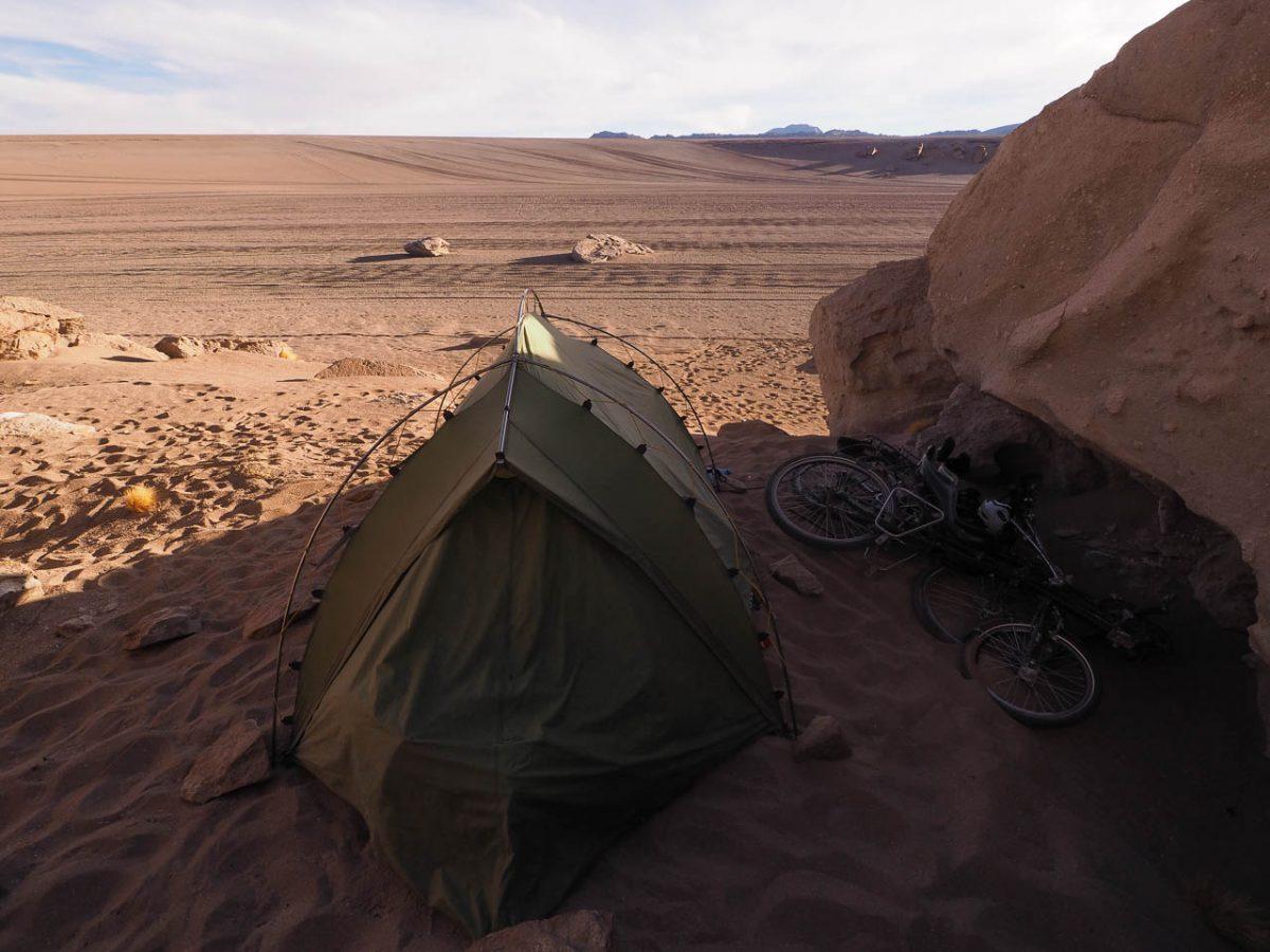 Bivouac dans le désert, pas loin de l'arbol de piedra